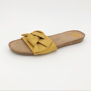Fergalicious Sandal Moshi Bow Fabric Slide Slip On